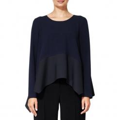 Bluzka w kolorze ciemnoniebieskim. Niebieskie bluzki damskie BOHOBOCO, z asymetrycznym kołnierzem. W wyprzedaży za 519,95 zł.