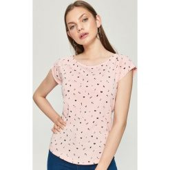 T-shirty damskie: Koszulka z nadrukiem all over - Różowy