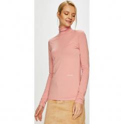 Calvin Klein - Bluzka. Różowe bluzki z golfem marki Calvin Klein, l, z bawełny, casualowe. Za 269,90 zł.