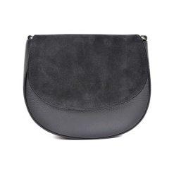 Torebka w kolorze czarnym - (S)22,5 x (W)19 x (G)8 cm. Czarne torebki klasyczne damskie Bestsellers bags, w paski, z materiału. W wyprzedaży za 199,95 zł.
