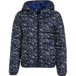IKKS CARGO JACK Kurtka zimowa navy/bleu electric. Niebieskie kurtki chłopięce zimowe marki IKKS, z materiału. W wyprzedaży za 213,85 zł.