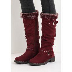 Bordowe Kozaki Distant. Czarne buty zimowe damskie marki Kazar, z futra, przed kolano, na wysokim obcasie, na koturnie. Za 79,99 zł.