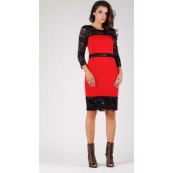 Czerwona Wyjściowa Ołówkowa Sukienka z Koronką. Czerwone sukienki koktajlowe marki Molly.pl, l, w koronkowe wzory, z koronki, dopasowane. W wyprzedaży za 102,21 zł.