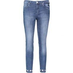 """Dżinsy """"Antonia"""" - Skinny fit - w kolorze niebieskim. Boyfriendy damskie Rosner, z aplikacjami. W wyprzedaży za 217,95 zł."""