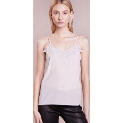 Topy damskie: Bruuns Bazaar BECCA STRAP  Top light grey