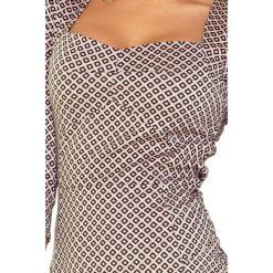 Gloria Sukienka z ładnym dekoltem i rękawkiem. Różowe sukienki na komunię marki numoco, l, z długim rękawem, maxi, oversize. Za 149,99 zł.