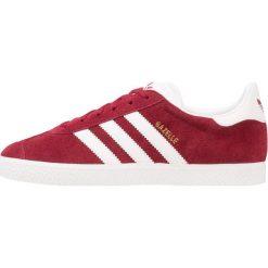 Adidas Originals GAZELLE Tenisówki i Trampki collegiate burgundy/footwear white. Czerwone tenisówki damskie marki adidas Originals, z materiału. Za 389,00 zł.