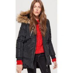 Płaszcze damskie: Ciepły płaszcz z kapturem - Czarny