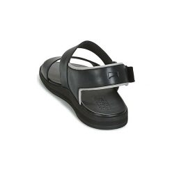 Sandały Camper  SPRAY. Czarne sandały męskie Camper. Za 405,30 zł.