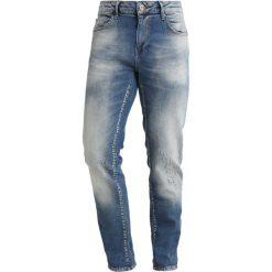 Cars Jeans HUNGER Jeansy Slim Fit stone used. Niebieskie rurki męskie marki Tiffosi. Za 249,00 zł.