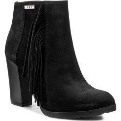 Botki A.J.F. - 00956 Czarny 271. Czarne buty zimowe damskie A.J.F., ze skóry, na obcasie. W wyprzedaży za 249,00 zł.
