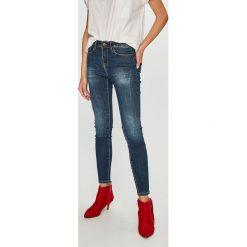 Medicine - Jeansy Basic. Niebieskie jeansy damskie marki MEDICINE, z bawełny. W wyprzedaży za 79,90 zł.