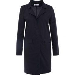 CLOSED PORI Krótki płaszcz navy. Niebieskie płaszcze damskie CLOSED, s, z bawełny. W wyprzedaży za 692,45 zł.