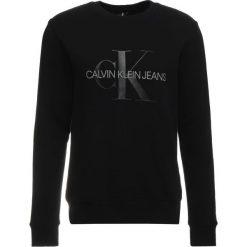 Calvin Klein Jeans MONOGRAM LOGO CREW NECK Bluza black. Czarne bluzy męskie Calvin Klein Jeans, l, z bawełny. Za 419,00 zł.