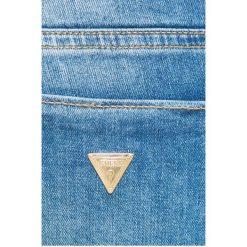 Guess Jeans - Jeansy. Niebieskie jeansy damskie rurki marki Guess Jeans, z obniżonym stanem. W wyprzedaży za 399,90 zł.
