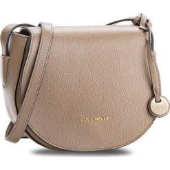 Torebka COCCINELLE - CF8 Clementine Soft E1 CF8 15 02 01 Taupe N75. Brązowe listonoszki damskie Coccinelle, ze skóry. W wyprzedaży za 699,00 zł.