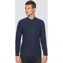 Gładka koszula ze stójką - Granatowy. Niebieskie koszule męskie na spinki marki Cropp, l, ze stójką. Za 79,99 zł.