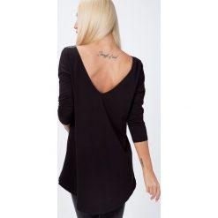 Bluzka z dekoltem na plecach czarna 2611. Czarne bluzki damskie Fasardi, l, z dekoltem na plecach. Za 44,00 zł.