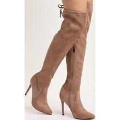 Jasnobrązowe Kozaki Ohio. Szare buty zimowe damskie marki Born2be, ze szpiczastym noskiem, na wysokim obcasie. Za 64,99 zł.