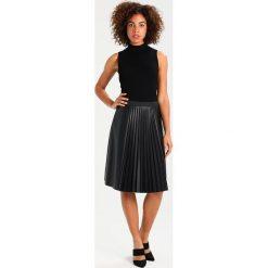 Spódniczki plisowane damskie: comma Spódnica plisowana black