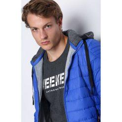 Niebieska Kurtka Over My Head. Czarne kurtki męskie pikowane marki Born2be, l, z aplikacjami, z dresówki. Za 154,99 zł.