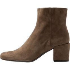 Pretty Ballerinas ANGELIS Ankle boot olive. Czarne botki damskie skórzane marki Pretty Ballerinas. Za 1069,00 zł.