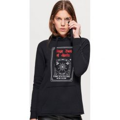 Bluza z motywem HALLOWEEN - Czarny. Fioletowe bluzy damskie marki Reserved, l, z kapturem. Za 69,99 zł.
