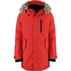 Schott NYC Płaszcz zimowy dark red. Czerwone płaszcze zimowe męskie marki Schott NYC, m, z materiału. Za 1059,00 zł.