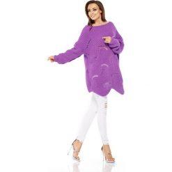 Luźny sweter oversize fiolet QUINN. Fioletowe swetry oversize damskie Lemoniade, na lato, ze splotem. Za 129,90 zł.
