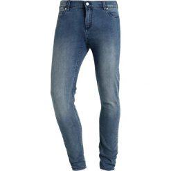 Cheap Monday HIM SPRAY Jeans Skinny Fit set blue. Niebieskie rurki męskie marki Tiffosi. W wyprzedaży za 167,20 zł.
