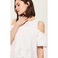 Bluzki damskie: Bluzka z haftem - Biały