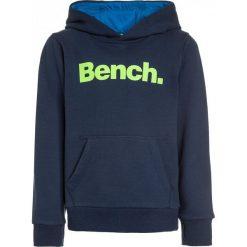 Bench CORE HOODY  Bluza z kapturem dark navy blue. Niebieskie bluzy chłopięce rozpinane marki Bench, z bawełny, z kapturem. W wyprzedaży za 152,10 zł.
