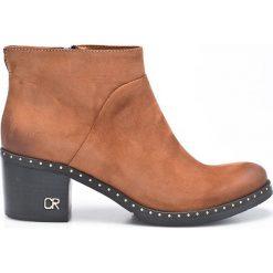 Carinii - Botki. Brązowe buty zimowe damskie Carinii, z materiału, z okrągłym noskiem, na obcasie. W wyprzedaży za 199,90 zł.