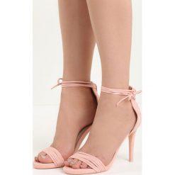Różowe Sandały Flashes. Czerwone sandały damskie marki Born2be, na wysokim obcasie, na szpilce. Za 69,99 zł.