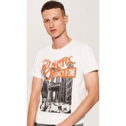 T-shirt z fotonadrukiem - Kremowy. Białe t-shirty męskie House, l. Za 29,99 zł.