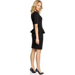 CATALINA Elegancka ołówkowa sukienka z ozdobną baskinką - czarna. Czarne sukienki balowe Moe, z dzianiny, baskinki. Za 129,99 zł.