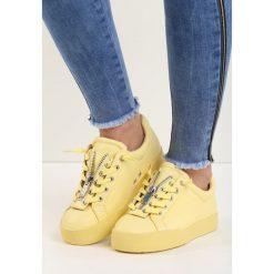 Żółte Buty Sportowe Zip-On. Żółte buty skate męskie marki NEWFEEL, z gumy. Za 79,99 zł.