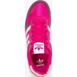Adidas Originals ZX 700 Tenisówki i Trampki bold pink/haze coral/maroon. Czerwone trampki dziewczęce marki adidas Originals, z materiału. W wyprzedaży za 146,30 zł.