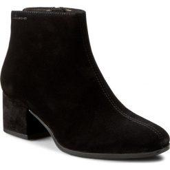 Botki VAGABOND - Daisy 4209-240-20 Black. Czarne botki damskie na obcasie marki Vagabond, z materiału. W wyprzedaży za 279,00 zł.