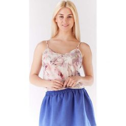 Bluzka Lekka Wzorzysta na Cienkich Ramiączkach - Ciemne Kwiaty. Szare bluzki wizytowe Molly.pl, l, w kwiaty, z jeansu, biznesowe, dekolt w kształcie v, na ramiączkach. Za 96,90 zł.