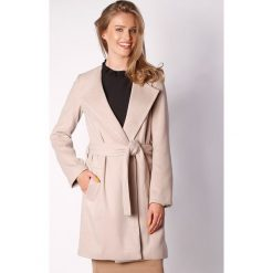 Płaszcze damskie pastelowe: Płaszcz w kolorze beżowym
