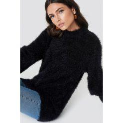 Rut&Circle Sweter z bufiastym rękawem Ferdone - Black. Czarne swetry klasyczne damskie Rut&Circle, z dzianiny, z okrągłym kołnierzem. Za 161,95 zł.