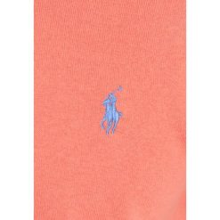 Polo Ralph Lauren Golf CREWNECK Sweter deep mango. Brązowe golfy męskie marki Polo Ralph Lauren Golf, m, z bawełny. W wyprzedaży za 411,75 zł.