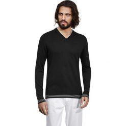 Swetry klasyczne męskie: Sweter w kolorze czarno-białym