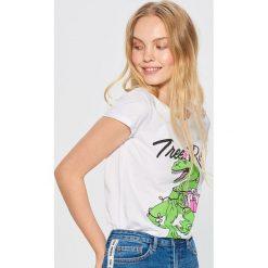 Koszulka z świątecznym dinozaurem - Biały. Białe t-shirty damskie marki Cropp, l. Za 19,99 zł.