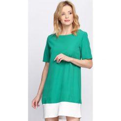 Zielona Sukienka Despair. Zielone sukienki letnie marki Reserved, z wiskozy. Za 69,99 zł.