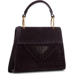 Torebka COCCINELLE - D10 B14 Lace Suede E1 D10 55 77 01 Noir 001. Czarne torebki klasyczne damskie marki Coccinelle, ze skóry, duże, zdobione. Za 1299,90 zł.