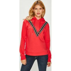 Vero Moda - Bluza. Różowe bluzy z kapturem damskie marki Vero Moda, l, z aplikacjami, z bawełny. Za 129,90 zł.