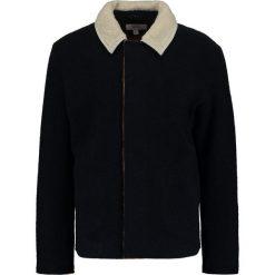 Soulland MENG Kurtka przejściowa navy. Niebieskie kurtki męskie przejściowe marki Soulland, m, z materiału. W wyprzedaży za 495,60 zł.