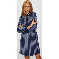 Silvian Heach - Sukienka. Szare długie sukienki marki Silvian Heach, na co dzień, m, z elastanu, casualowe, z włoskim kołnierzykiem, z długim rękawem, rozkloszowane. W wyprzedaży za 369,90 zł.